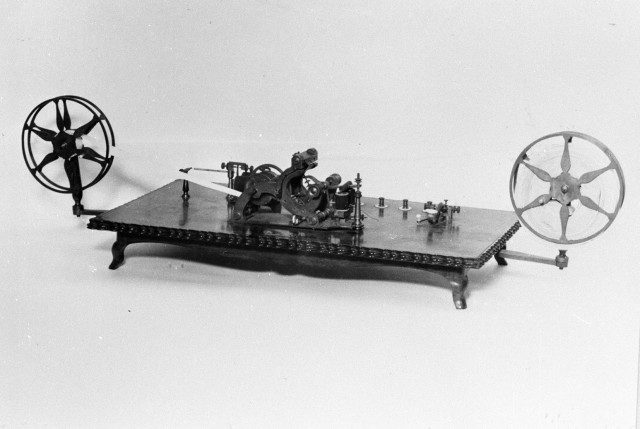 Equipment for one of the two telegraph systems demonstrated by Commodore Matthew Perry in Yokohama before presenting them to the shogun as a gift from the president of the United States (Courtesy NTT)